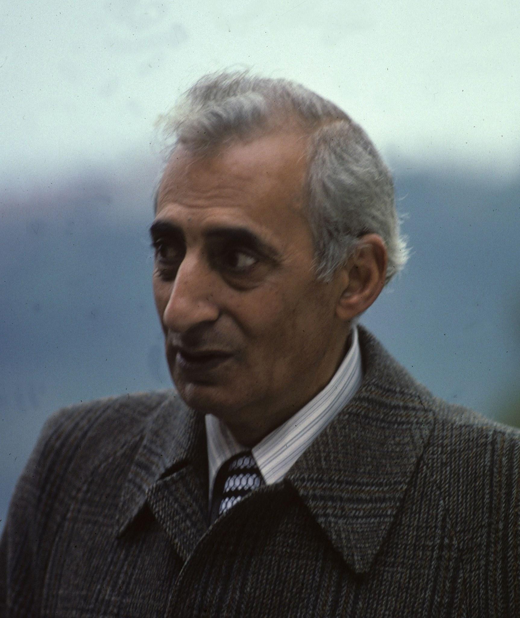 Dr Salem H Khamis